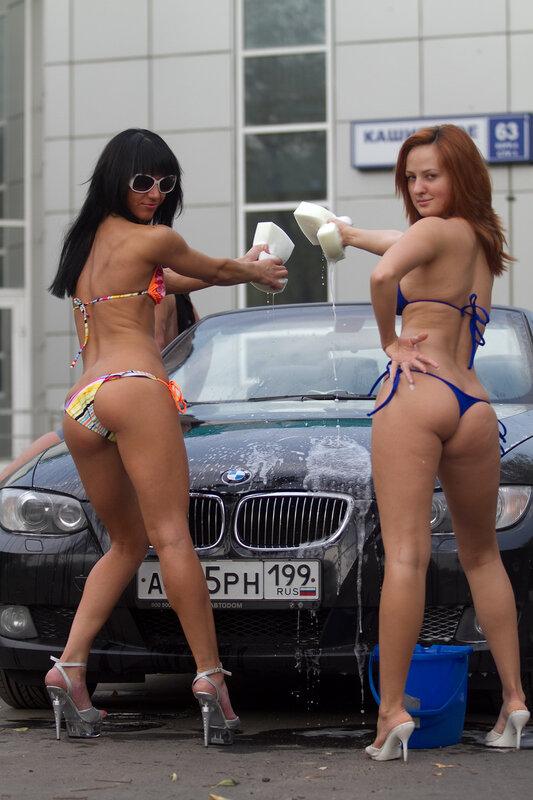 Девушки моют авто 18 фото