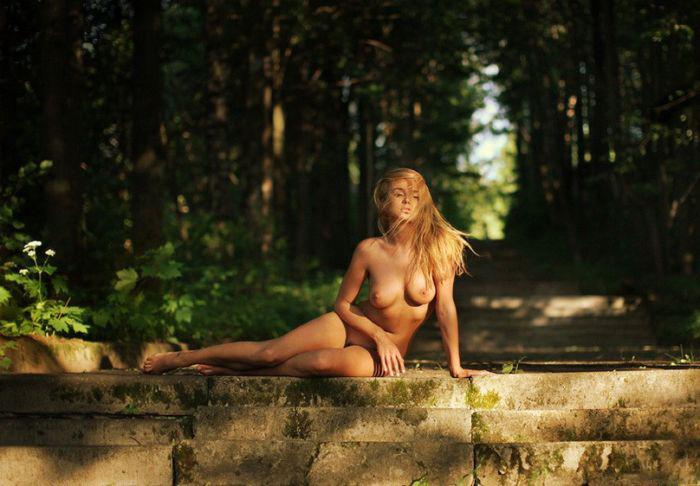 фотосессия на природе девушка голая