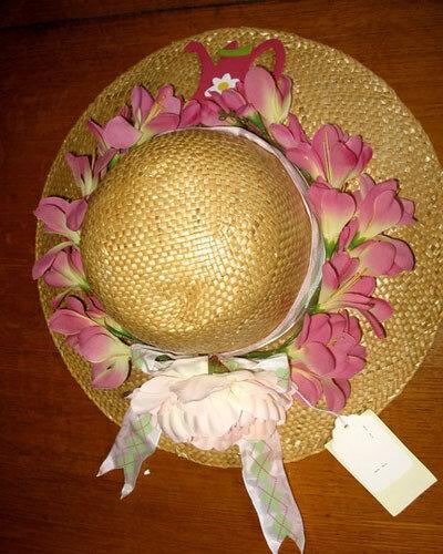 Декорирование шляп искусственными цветами