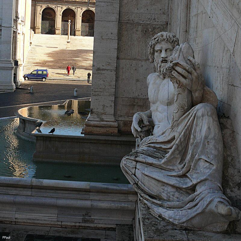 Аллегория Тибра у дворца Сенаторов