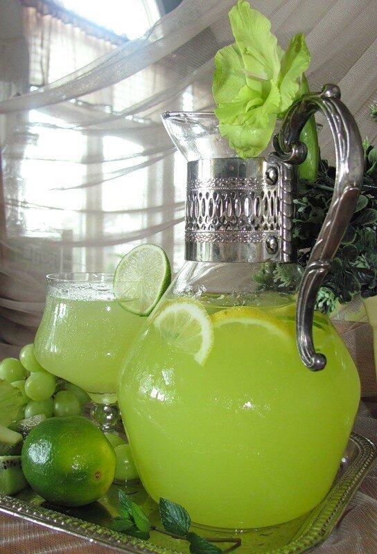 Зелёный лимонад из лаймы