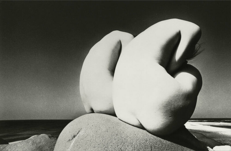 Kishin Shinoyama,female nudes on a rock,1968