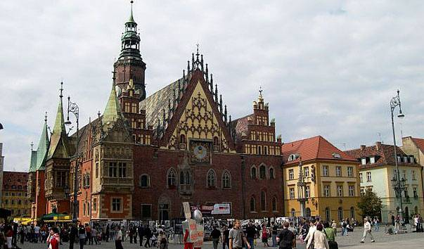 В польских школах откроют специальные классы для детей украинских эмигрантов