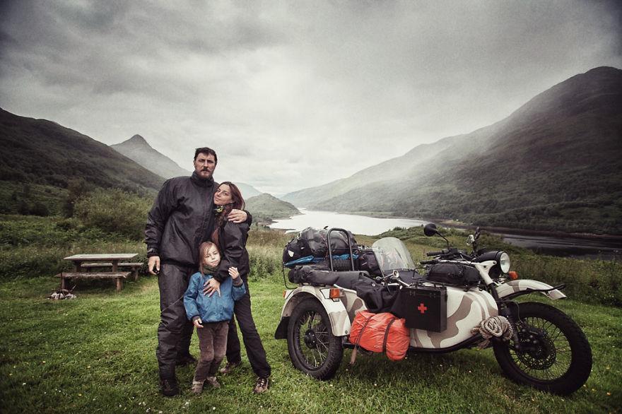 На «Урале» вокруг Европы: впечатляющее путешествие молодой семьи (40 фото)