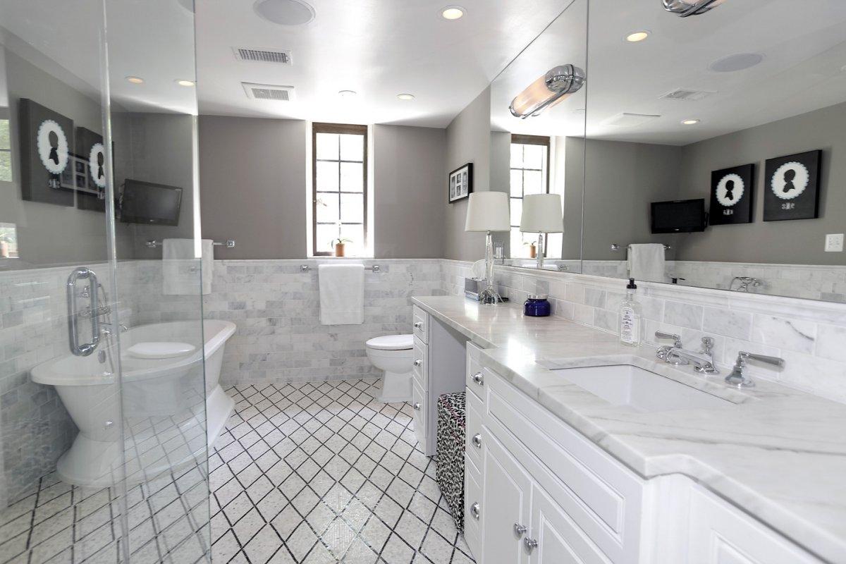 Туалет и ванная.