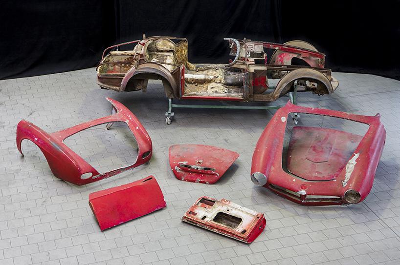 Автомобиль восстановлен в точной копии каким он был когда только был выпущен в 1957 г. 3,2-литровый