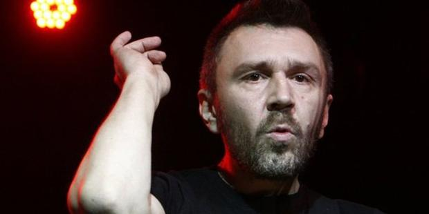 Сергей Шнуров сделал фото сноском нагениталиях