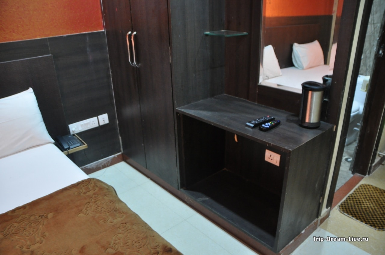Наш номер в Sanjay Palace Hotel в Джайпуре