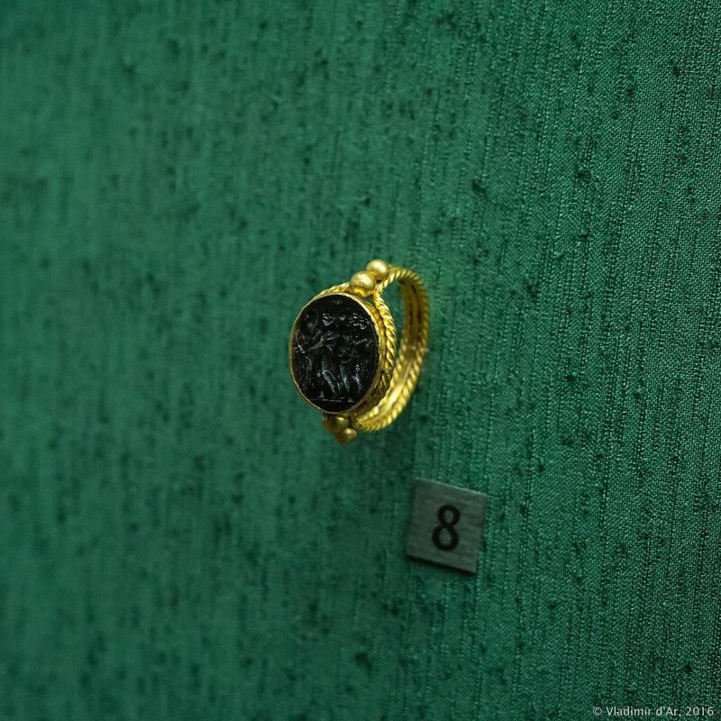 Перстень с геммой. I - II вв. н.э. Керчь.
