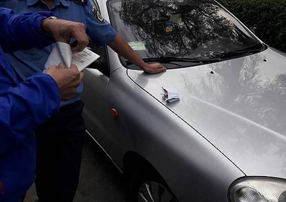 Следователь полиции задержан на Хмельнитчине за взятку 200 долларов. ФОТО