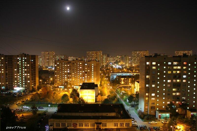Ночь. Вид из окна.