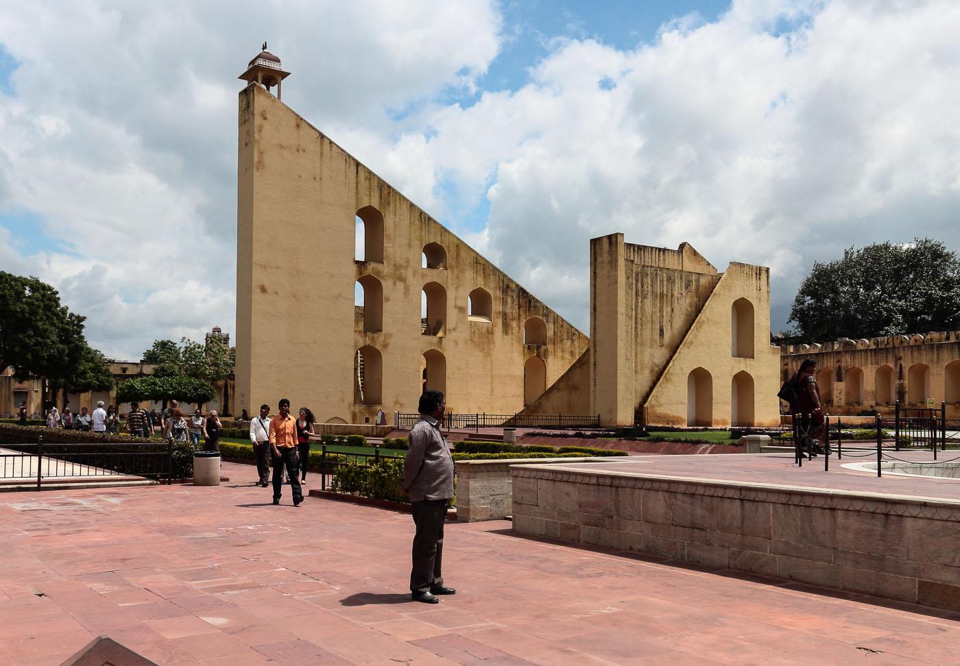 Фото 24. Часы в обсерватории. Поездка в Джайпур из Дели