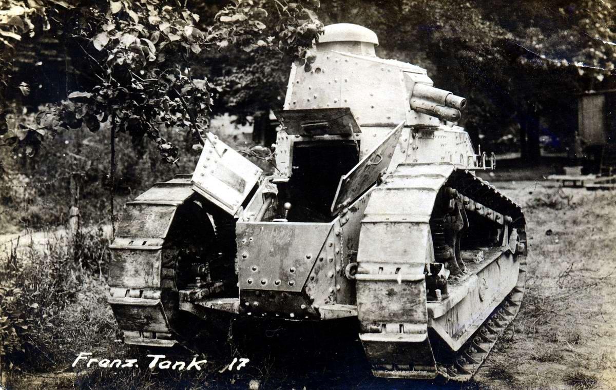 Французский танк Рено FT-17, захваченный войсками немецкой армии