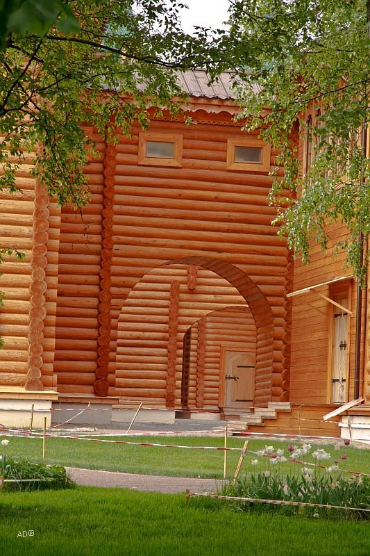 Воссозданный деревянный дворец царя Алексея Михайловича