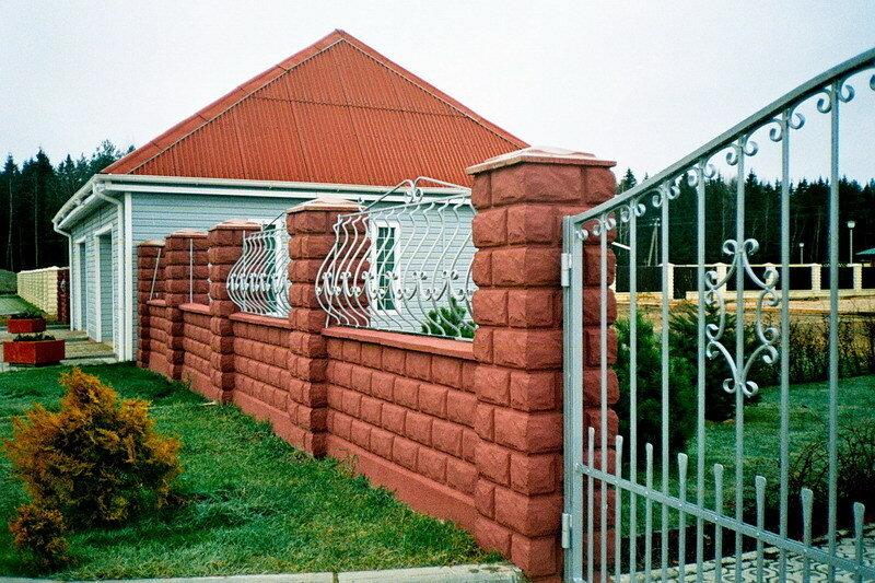 Крышка для столба забора бетонная 4-х скатная, 450мм х 450мм