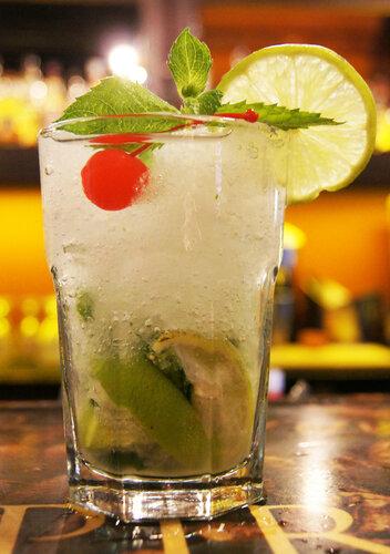 Мохито. коктейль Мохито. ром. напитки.