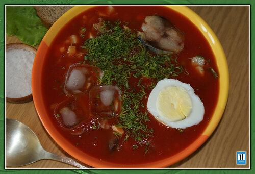 холодный томатный суп с рыбой