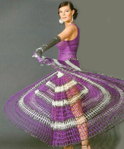 Например, струящееся вязаное платье крючком для девочки из хлопка.