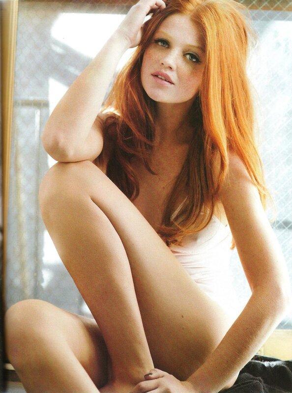 Models: Cintia Dicker.Photographer Daniela Federici