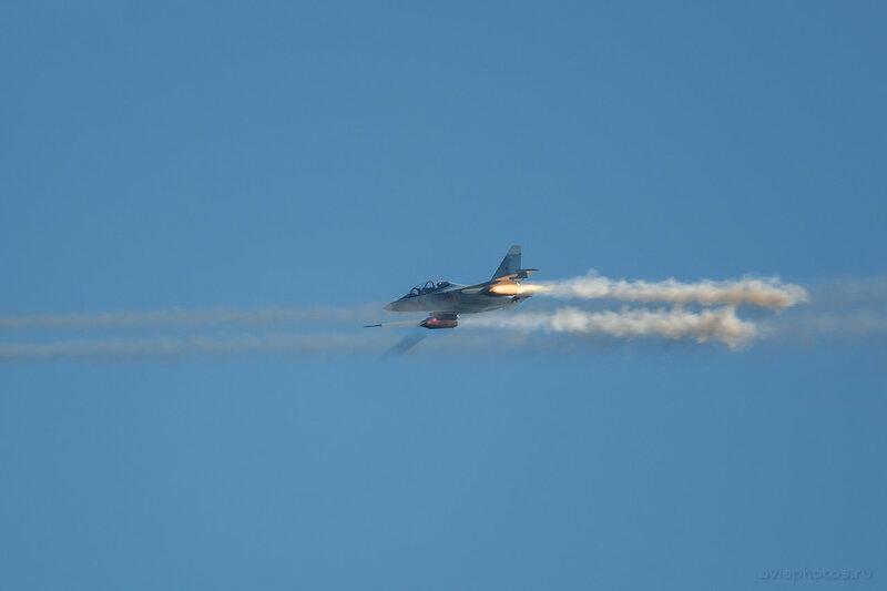 Яковлев Як-130 (RF-81689 / 80 красный) ВКС России 1180_D806410
