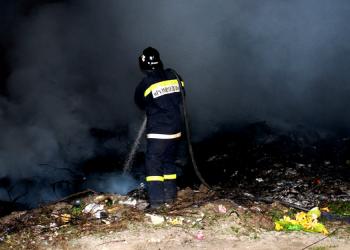 На кладбище по улице Дойна произошел пожар