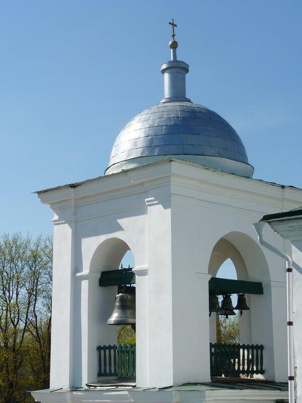 Никольский собор в Изборской крепости (апрель 2014)