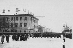 Парад полка около казарм на Звенигородской улице.