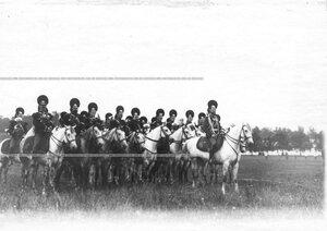 Хор трубочей полка  на праздновании 250-летнего юбилея Конно-гренадерского полка .