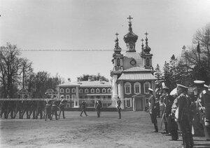 Церемониальный марш на параде полка в день храмового праздника Конно-гренадерского полка  .