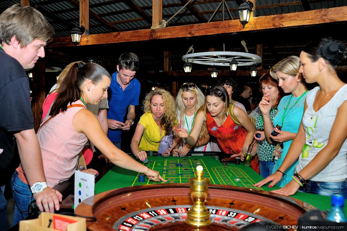 Играть в казино корона в игровые автоматы бесплатно и без регистрации