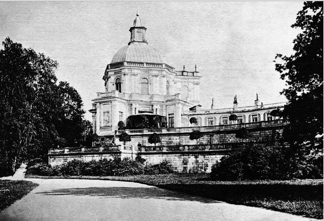 Большой дворец. Боковой павильон