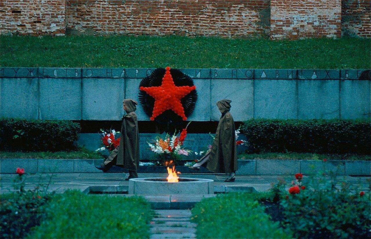 25. Вечный огонь в Новгороде