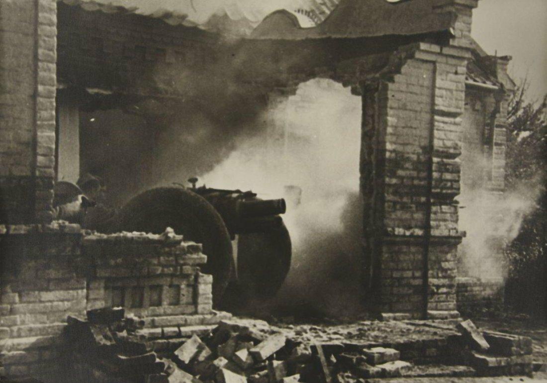 1942. Эммануил Ноевич Евзерихин. Боевая позиция под Сталинградом