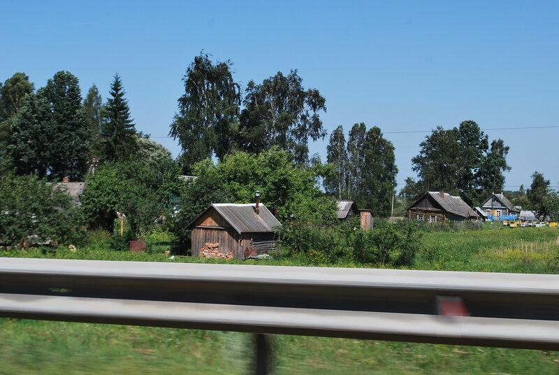 Типичное село, которое мы проезжаем