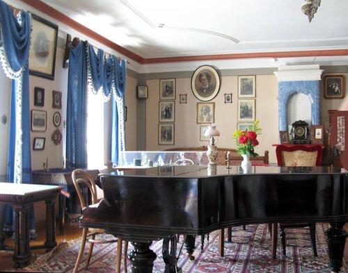 В кабинете П.И.Чайковского