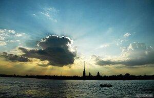 Затмение (Нева, Петербург, Петропавловская крепость, судно, туча)