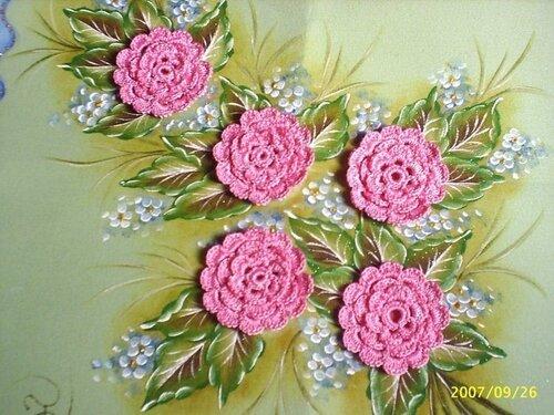 Картина с вязанными розами