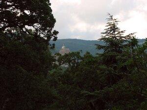 Вид на Форосскую церковь из парка