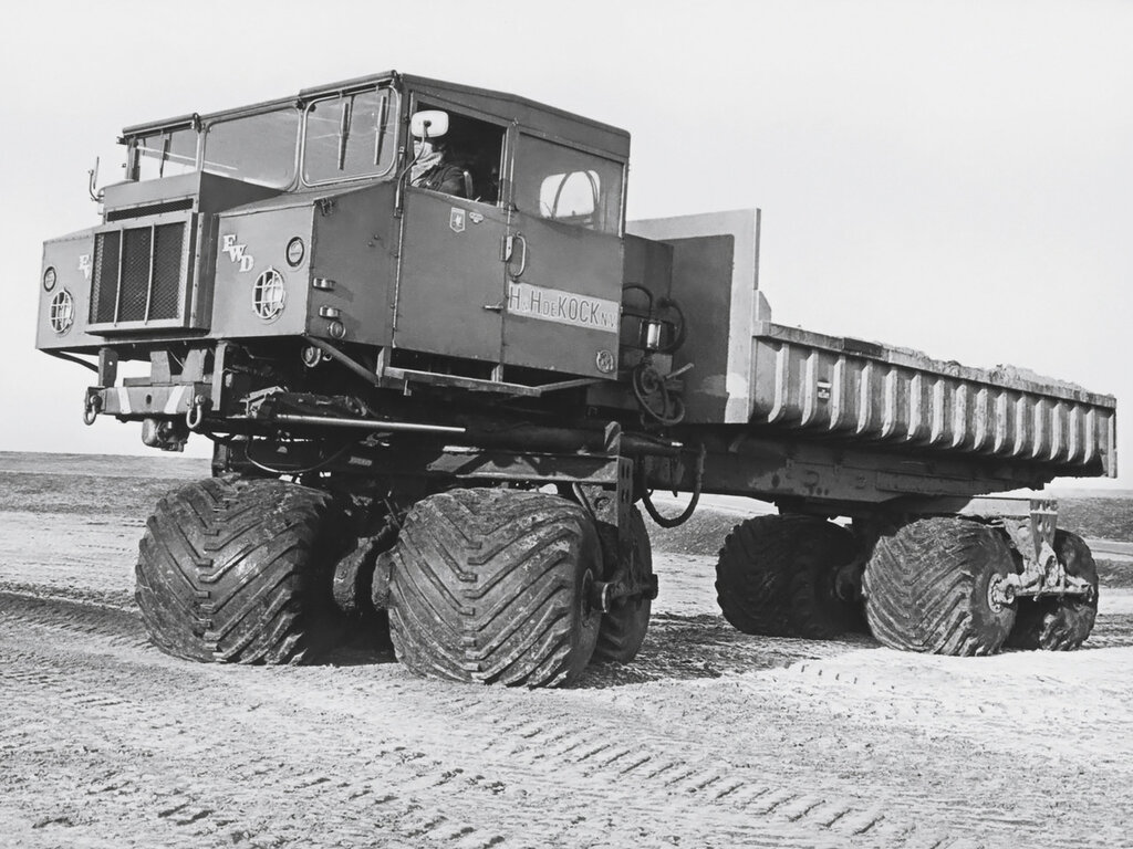 FWD Terracruzer '1955–58.jpg