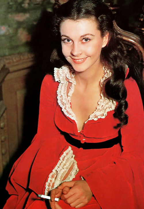Vivien Leigh on the set of Gone With the Wind (1939).png
