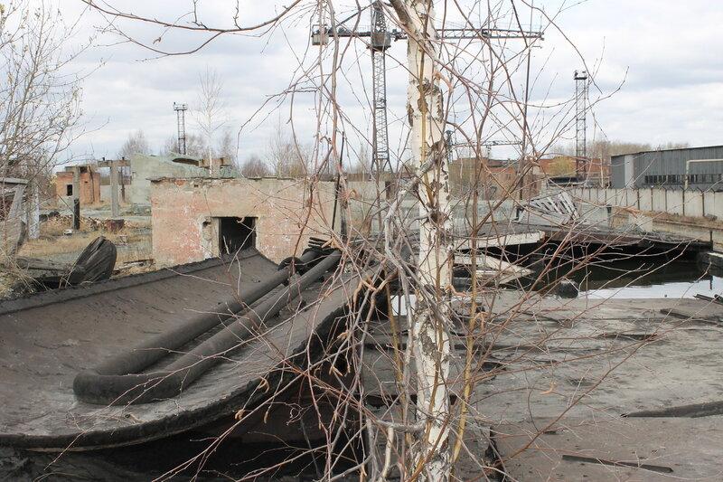 Заброшенный асфальтовый завод.