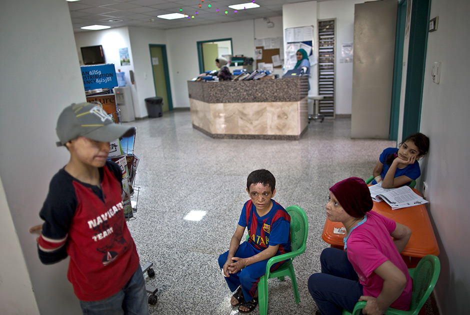 Юные жертвы войны на Ближнем Востоке в больнице Аммана 0 19b635 83209152 orig