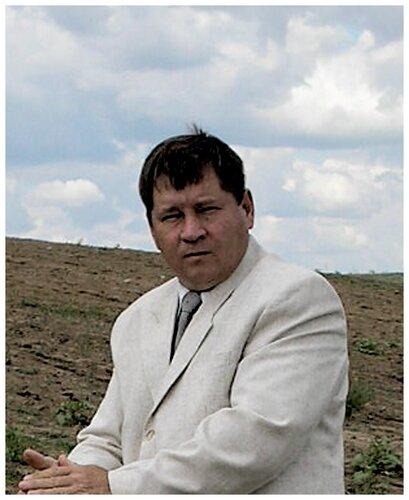 Анатолий Беев