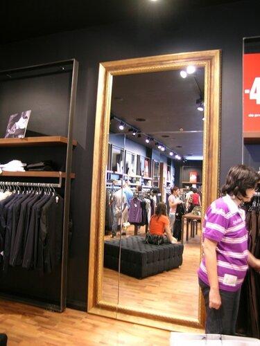 дверь в зеркале Castel Romano designer outlet 62
