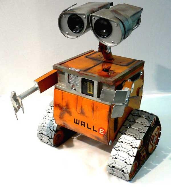 Как сделать роботов из подручных материалов