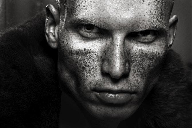 выразительные портреты photographer Tom Hoops