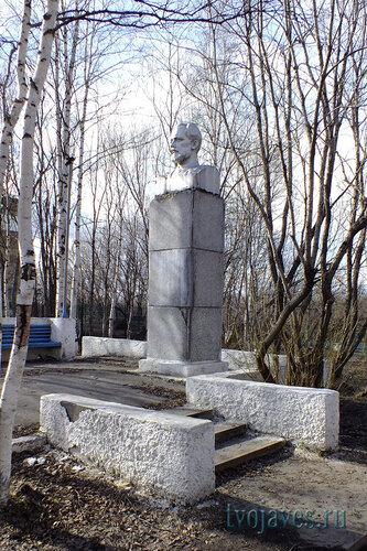 Фото города Инта №6657  Памятник П.И. Чайковскому 16.05.2014_16:13