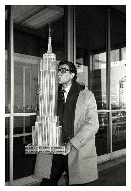 Yves St Laurent, NY 1983.jpg