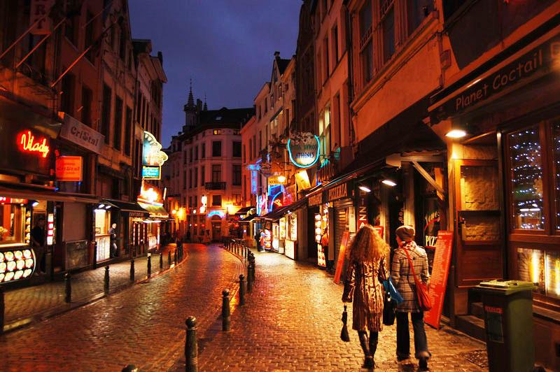 4. Бельгия – 7 место (40%) Отношения на стороне бельгийцы находят при помощи интернет сообщества зна