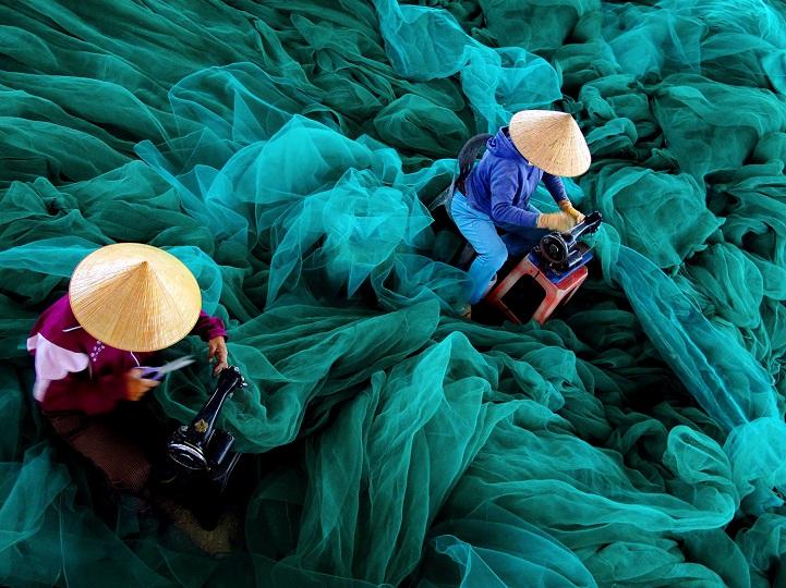 6. Поощрительная премия — «Для следующего путешествия» (автор: Лок Май, Вьетнам). В рыбацкой деревне